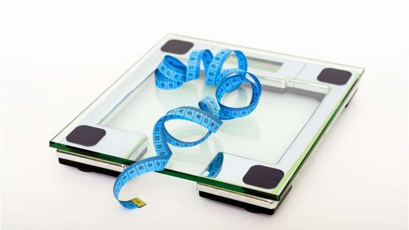 High BMI causes depression, both physical and social factors play a role